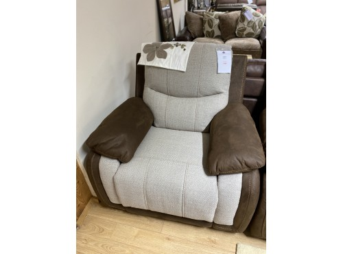 Hughie Doyle Furniture ¦ Gorey ¦ X5286M 1 Seater